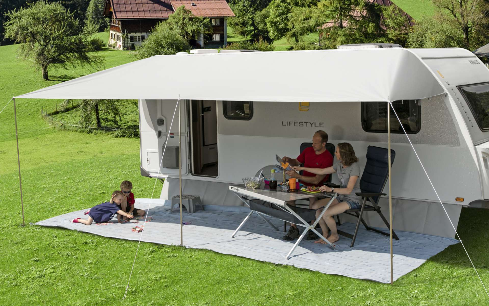 sonnenvordach camping sonnenschutz f r wohnwagen caravan. Black Bedroom Furniture Sets. Home Design Ideas
